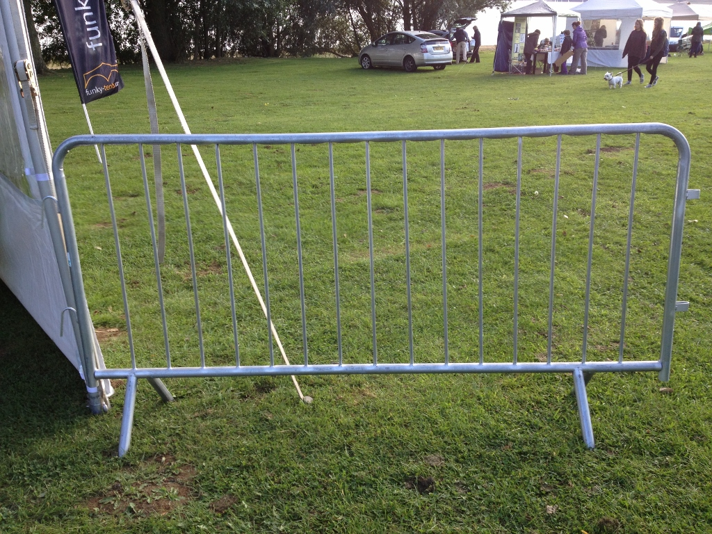 10 Crowd Barrier