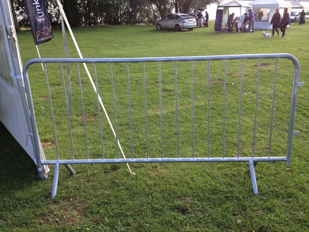 10 Crowd Barrier